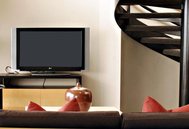 Inn at Laurel Point Mayrs Suite Living Room