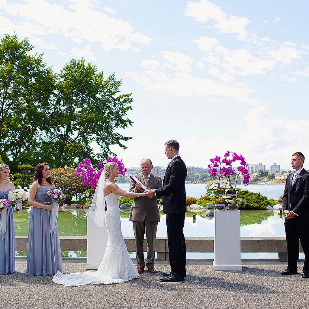 Wedding Party outside with beautiful skyline in background
