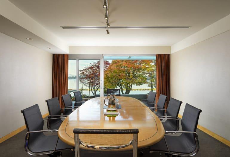 Studio 150 Meeting Room Inn at Laurel Point