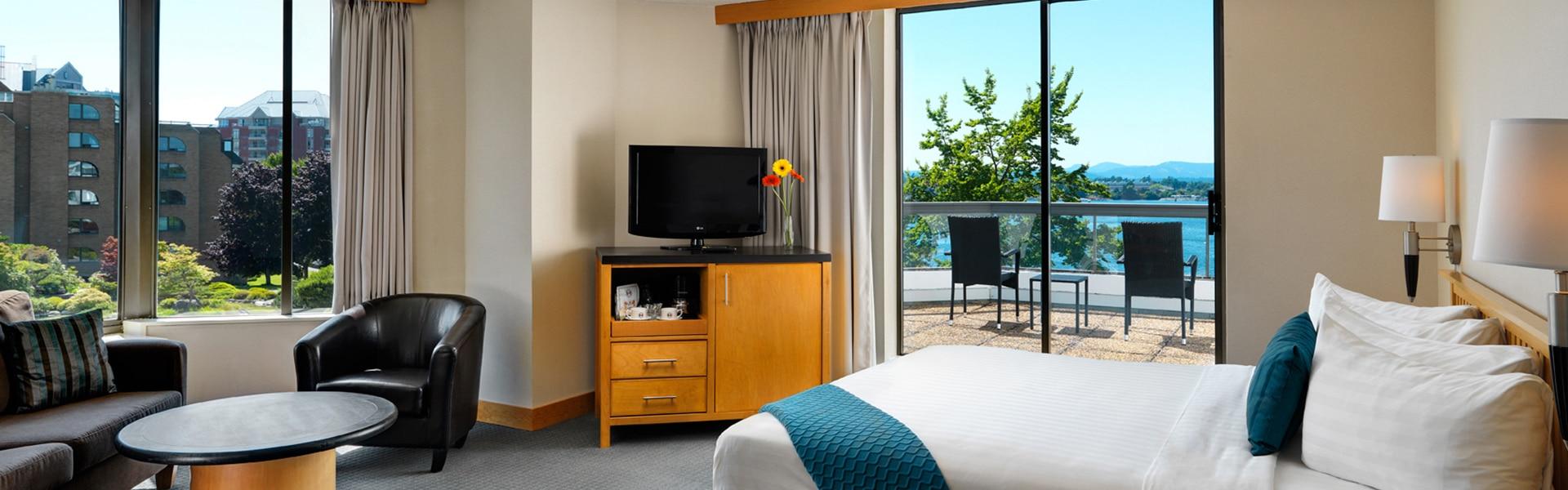 Sunset Room Inn at Laurel Point Victoria
