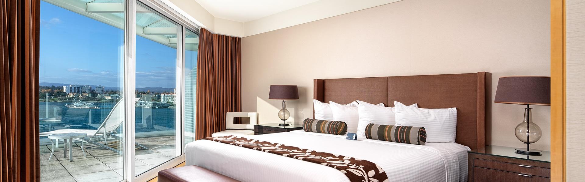 Inn at Laurel Point Victoria Terrace Bedroom Suite Bedroom